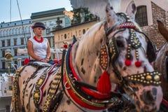 trasporto Vecchio-disegnato per i turisti nelle vie di vecchia Cracovia Immagine Stock Libera da Diritti
