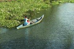 Trasporto vita quotidiano della canoa degli stagni Fotografia Stock Libera da Diritti