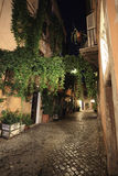 Trastevere, Ρώμη, Ιταλία - 10 Ιουλίου 2017: Οδός κυβόλινθων Trastevere Στοκ φωτογραφία με δικαίωμα ελεύθερης χρήσης