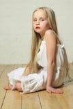 Trastorno, triste, agujereado - muchacha del niño joven Imágenes de archivo libres de regalías