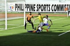 Trastos cerca del Kaya neto contra sementales - el fútbol de Manila unió la liga Filipinas Fotos de archivo libres de regalías