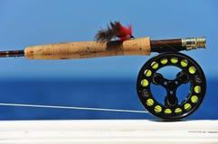 Trastos de pesca de mosca del agua salada fotos de archivo