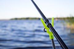 Trastos para la pesca inferior en el lago Fotografía de archivo