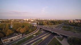Trasy Å  azienkowska i WaÅ 'Miedzeszynski sznur w Warszawa zbiory wideo