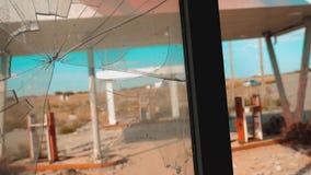 66 trasy kryzys drogi 66 zwolnionego tempa tankuje łamający nadokienny wideo Stary brudzi opustoszałą benzynową stację U S zamkni zbiory wideo