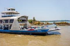 TRAT, TAILÂNDIA 7 DE JULHO DE 2016: Ferryboat do porto em Koh Chang Island Imagem de Stock