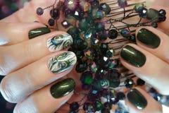 Tratamento de mãos bonito do Atr do prego Projetos do prego com decoração Manicu Imagem de Stock Royalty Free