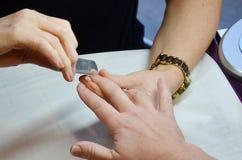 Tratamento de mãos do prego Fotografia de Stock Royalty Free