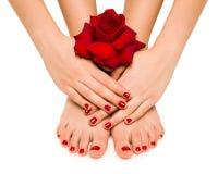 Tratamento de mãos e pedicure bonitos Fotografia de Stock Royalty Free