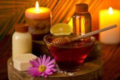 Tratamento do mel e dos termas Imagem de Stock Royalty Free