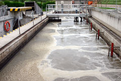 Tratamiento de aguas residuales (grasa) Imagen de archivo libre de regalías