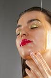 Tratamiento de la belleza con aceite de oliva Fotografía de archivo libre de regalías
