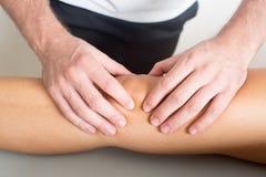 Tratamiento de la rodilla Fotografía de archivo