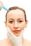 Tratamiento de los cosméticos con el botox Imágenes de archivo libres de regalías