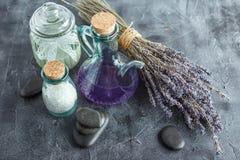 Tratamiento del balneario - cuidado del cuerpo Lavanda Aromatherapy Fotografía de archivo