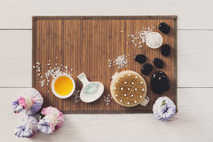 Tratamiento del balneario, fondo de la opinión superior del aromatherapy Detalles y accesorios Imágenes de archivo libres de regalías