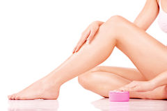 Tratamiento del cosmético de las piernas Fotos de archivo libres de regalías