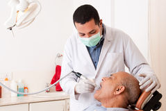 Tratamiento dental Fotos de archivo libres de regalías