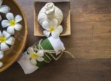 Tratamiento y producto del balneario para el balneario femenino de los pies, Tailandia Seleccione el foco Imagen de archivo libre de regalías