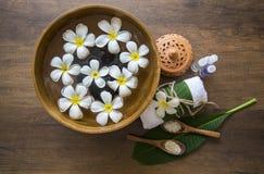 Tratamiento y producto del balneario para el balneario femenino de los pies, Tailandia Seleccione el foco Fotografía de archivo libre de regalías