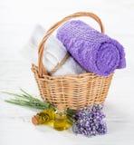 Tratamientos de la salud con las flores de la lavanda Fotos de archivo libres de regalías