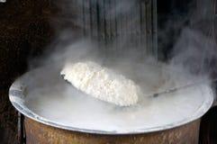 Tratar el arroz con vapor Fotografía de archivo libre de regalías
