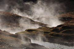 Tratar la agua con vapor caliente geotérmica, Islandia Foto de archivo