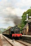 Trate el tren con vapor fotografía de archivo libre de regalías