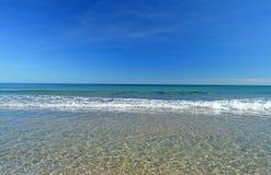 Trate las ondas con suavidad Imagen de archivo