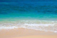 Trate las ondas con suavidad Foto de archivo