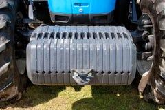Trator agricultural pesos de balanço dianteiros enormes Fotografia de Stock