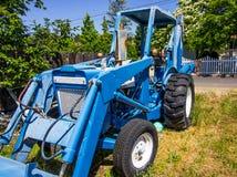 Trator & Backhoe azuis do vintage Imagem de Stock Royalty Free