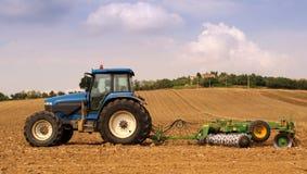 Trator de exploração agrícola Fotos de Stock Royalty Free