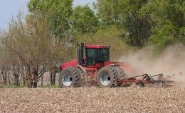 Trator de exploração agrícola Imagem de Stock Royalty Free