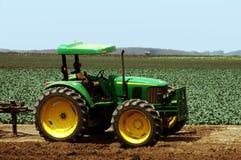 Trator de exploração agrícola Imagens de Stock Royalty Free