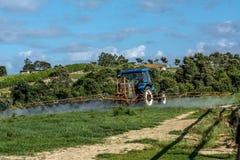 Trator de exploração agrícola Foto de Stock Royalty Free