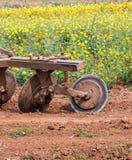 Trator no jardim Imagem de Stock Royalty Free