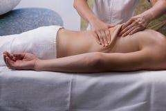 Trattamento della stazione termale, massaggio Immagine Stock