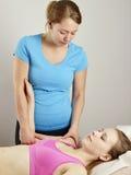 Trattamento di osteopatia Fotografia Stock Libera da Diritti