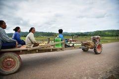 Trattore di Driving dell'agricoltore del Laos Immagine Stock