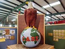 Trattore Eagle Sculpture calvo di caso fotografia stock libera da diritti