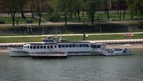 tratwa na rzece w Belgrade w Serbia zbiory