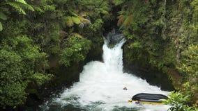 Tratwa wywraca się na nowej Zealand Kaituna rzece zbiory wideo