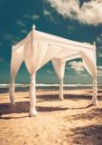 Traualtar auf dem Strand Lizenzfreie Stockfotografie