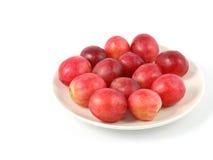 Traubenfrucht im Teller Lizenzfreie Stockfotos