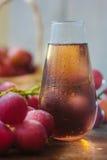 Traubensaft im Glas Stockfoto