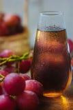 Traubensaft im Glas Lizenzfreies Stockfoto