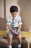 Traurig studen einsames in der Schule stockbilder