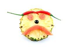 Traurig trägt das Gesicht des Gefühlbildes gemacht von der Mischung Früchte. Lizenzfreie Stockfotos