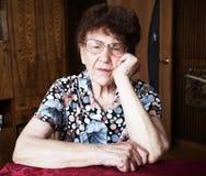 Traurige alte Frau Lizenzfreie Stockfotos
